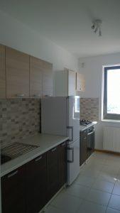 apartamente de inchiriat 3 camere bucatarie, 450 euro/luna , bucatarie utilata